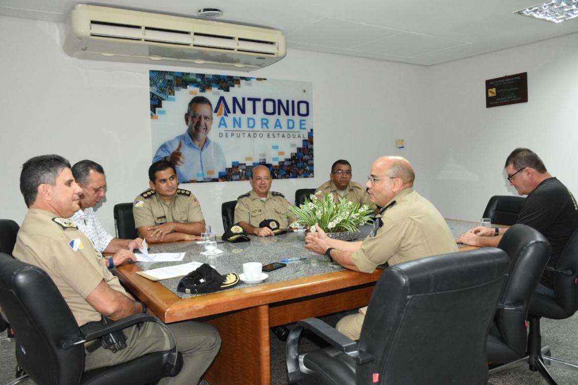 Antonio Andrade, Comandante-Geral da PM e policiais do 5º Batalhão de Porto