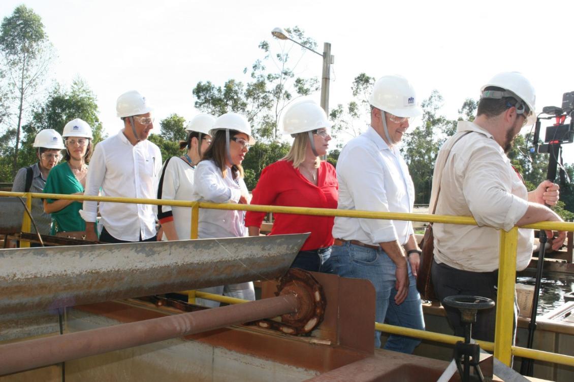 Visita de Luana Ribeiro e outros deputados ao setor Bertaville