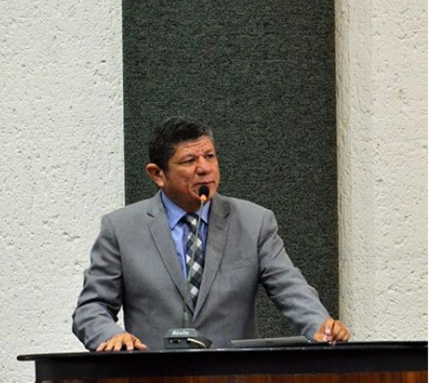 Deputado Ivory de Lira em sessão na Assembleia Legislativa do Tocantins