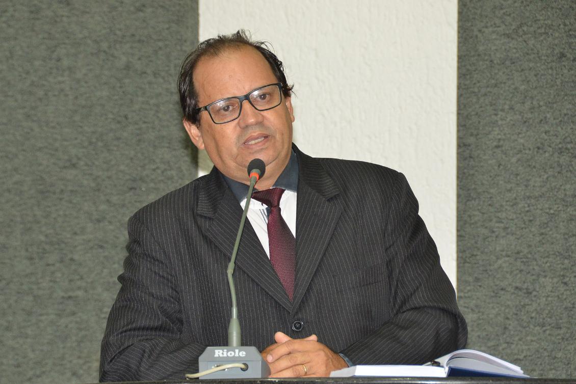 Críticas foram puxadas pelo deputado Eli Borges