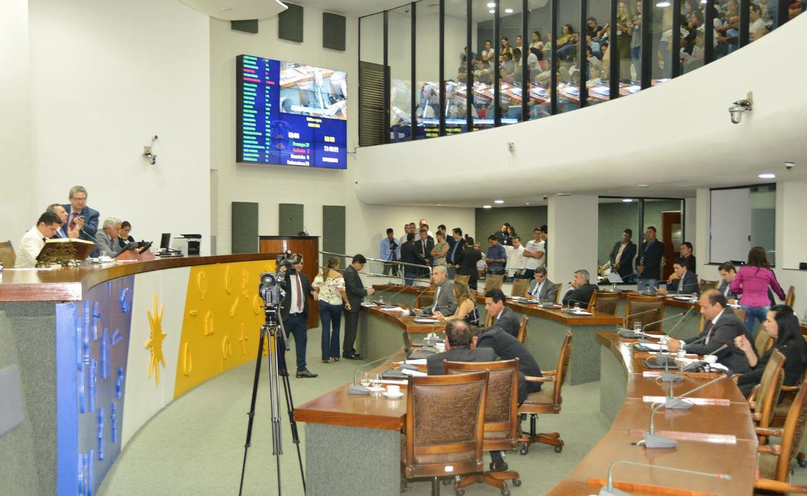 Matérias foram votadas pelo plenário nesta terça-feira, 17