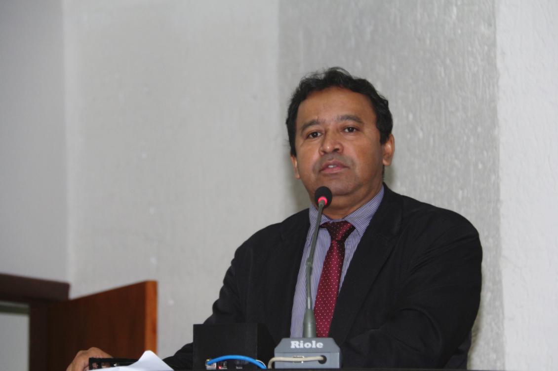 Segundo Elenil, escola irá beneficiar moradores de três conjuntos habitacionais da cidade