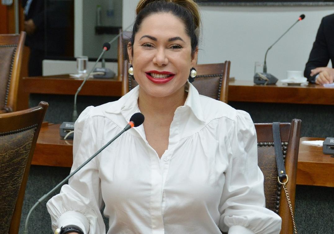 Luana Ribeiro comemora inclusão das forças de segurança no calendário prioritário da vacinação.