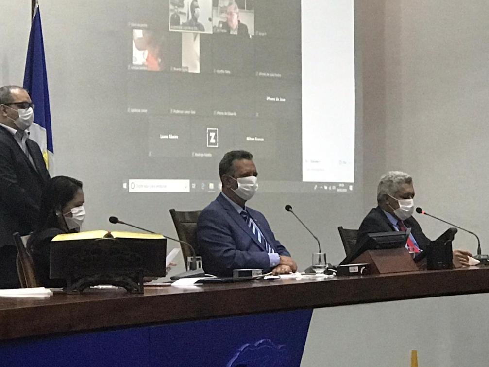Antonio Andrade durante a Sessão Extraordinária