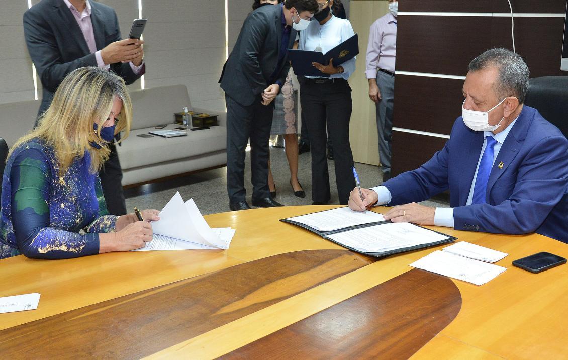 Na ocasião foi assinado Termo de Parceria entre Aleto e DPE-TO