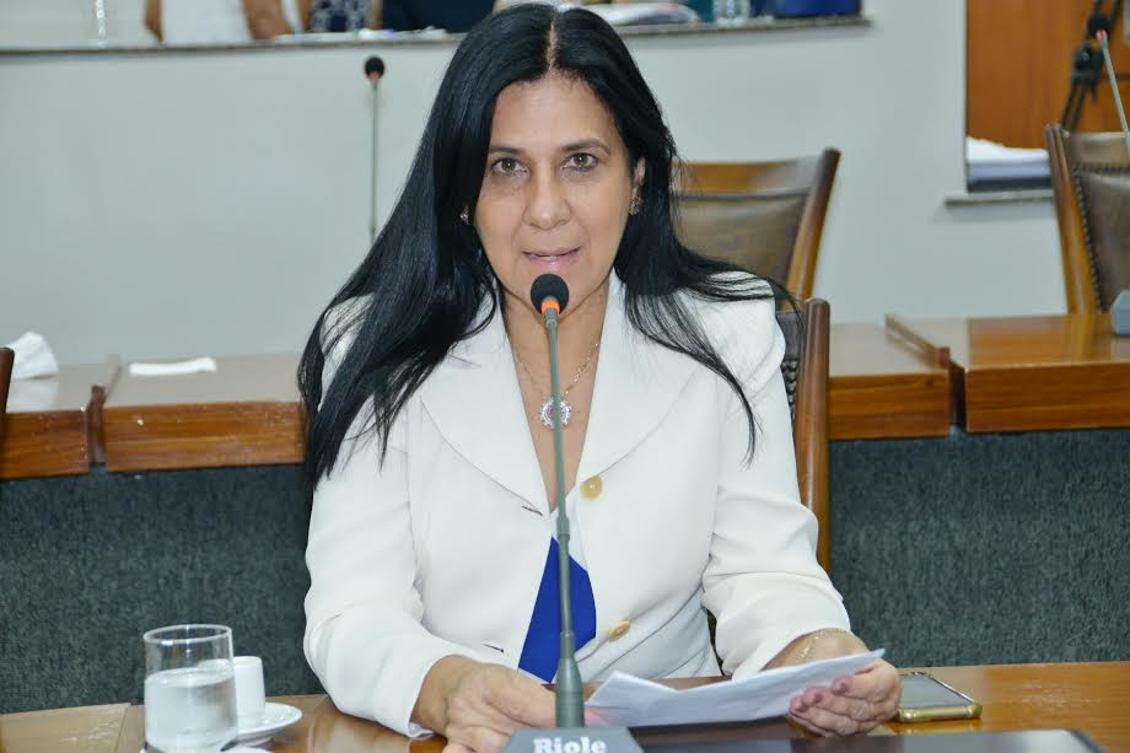 Deputada Amália Santana apresenta melhoras significativas