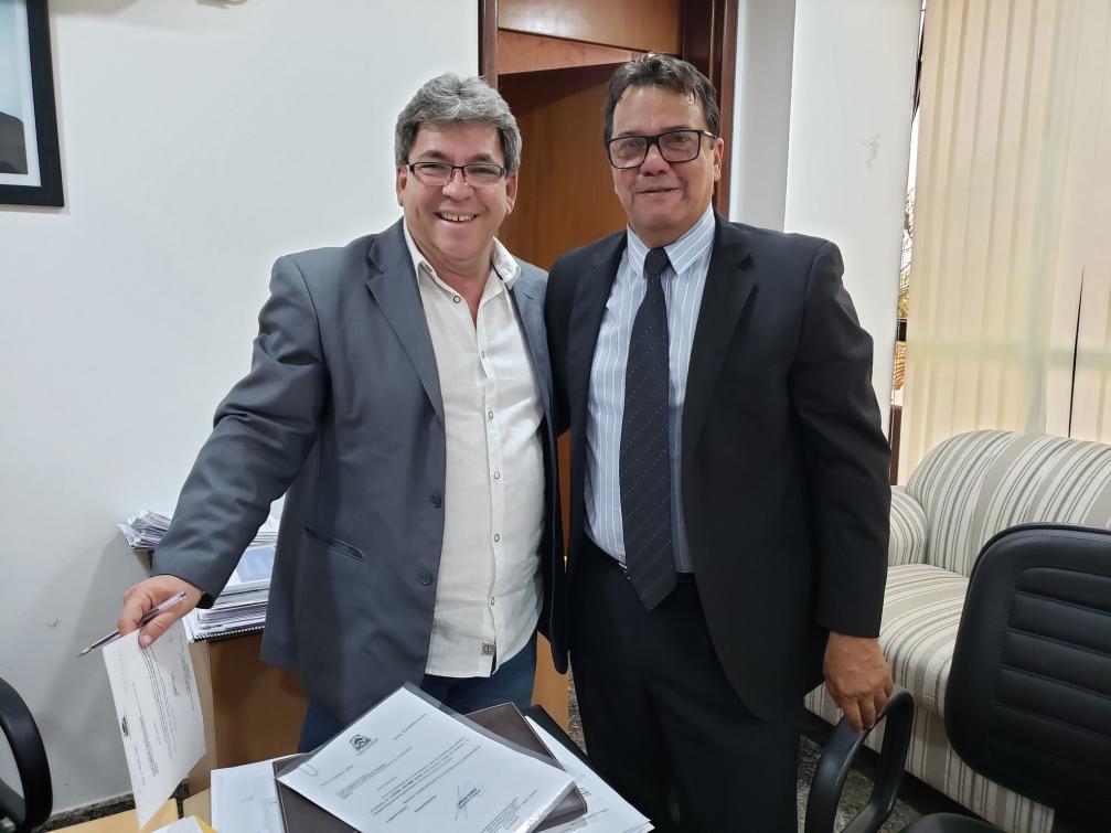 Após constantes reuniões do deputado Fabion com o secretário José Humberto, governo libera emendas