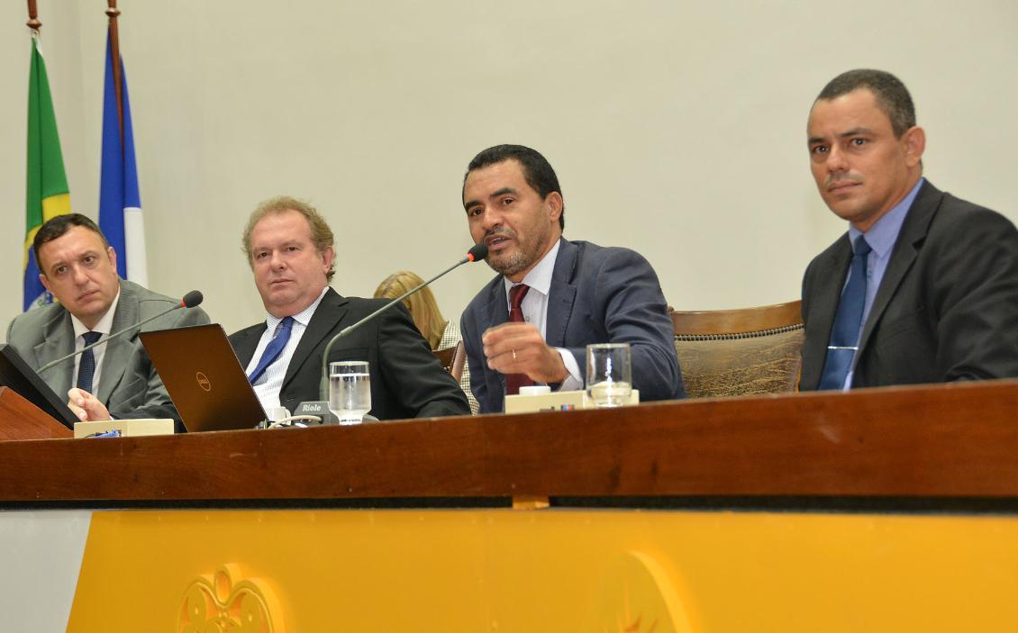 Sessão foi proposta pelo deputado Wanderlei Barbosa