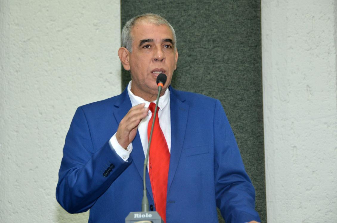 Deputado repudia ações do governo Bolsonaro e alerta para retirada de direitos