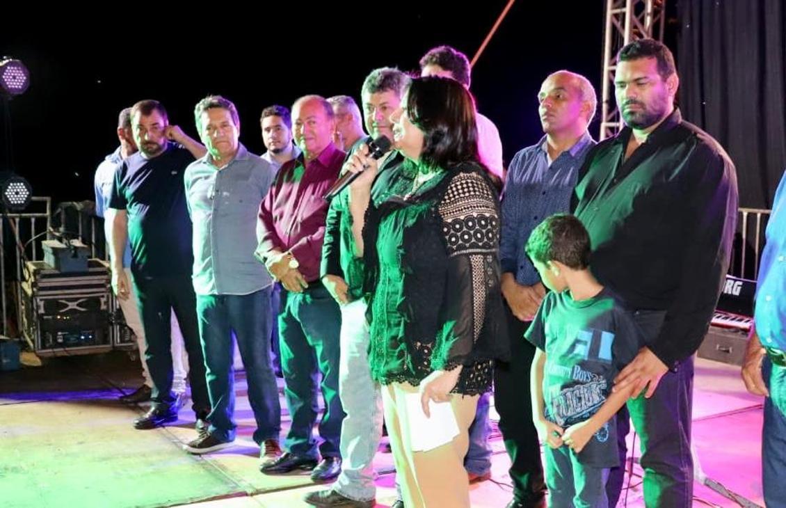 Valderez reforça apoio a piscicultura em Pau D