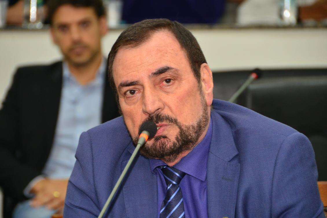 Issam Saado comemora aprovação do Projeto de Lei