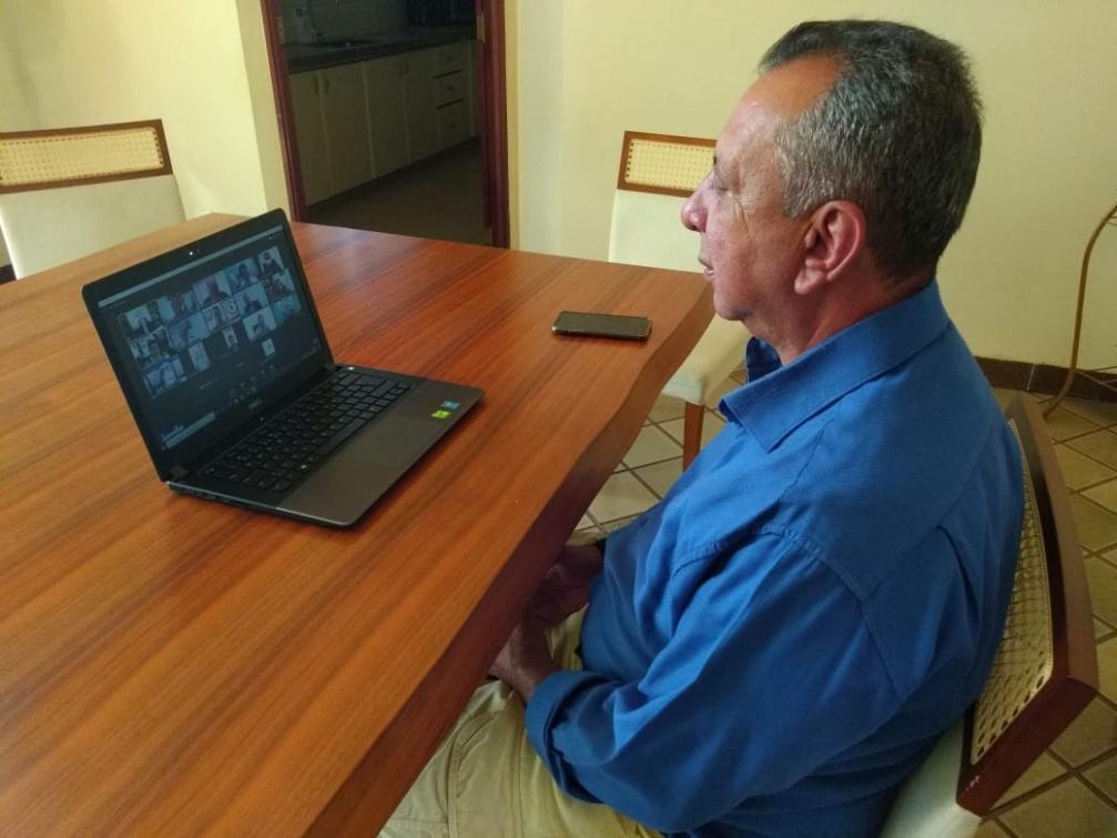 Antonio Andrade durante participação em videoconferência
