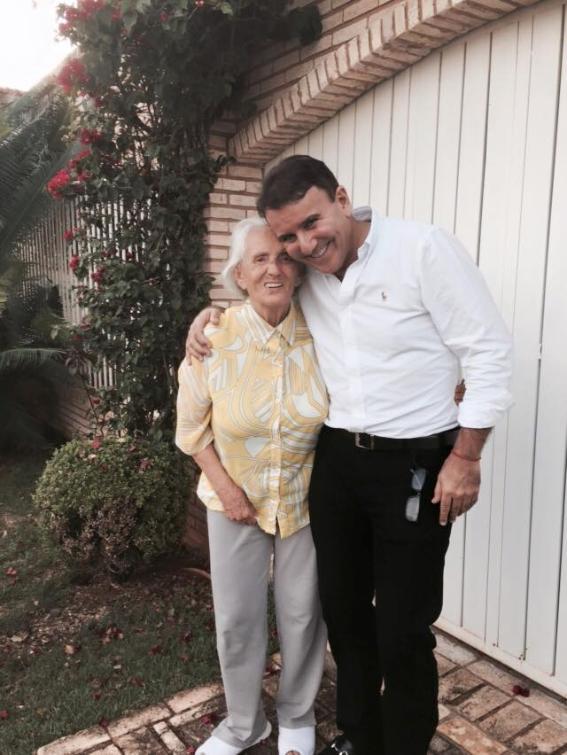 Dona Aureny com o filho Eduardo Siqueira Campos