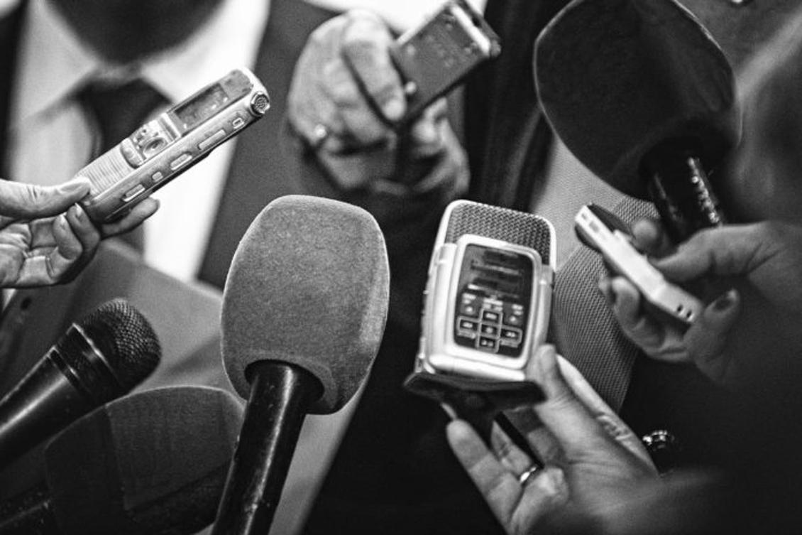 Deputados vão homenagear doze jornalistas
