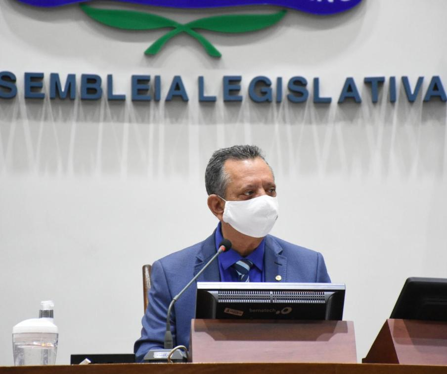 Presidente Antonio Andrade durante sessão mista