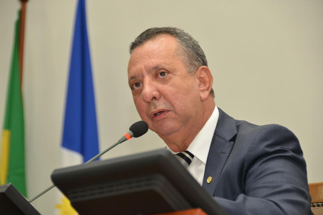 Presidente agradeceu apoio dos deputados e servidores
