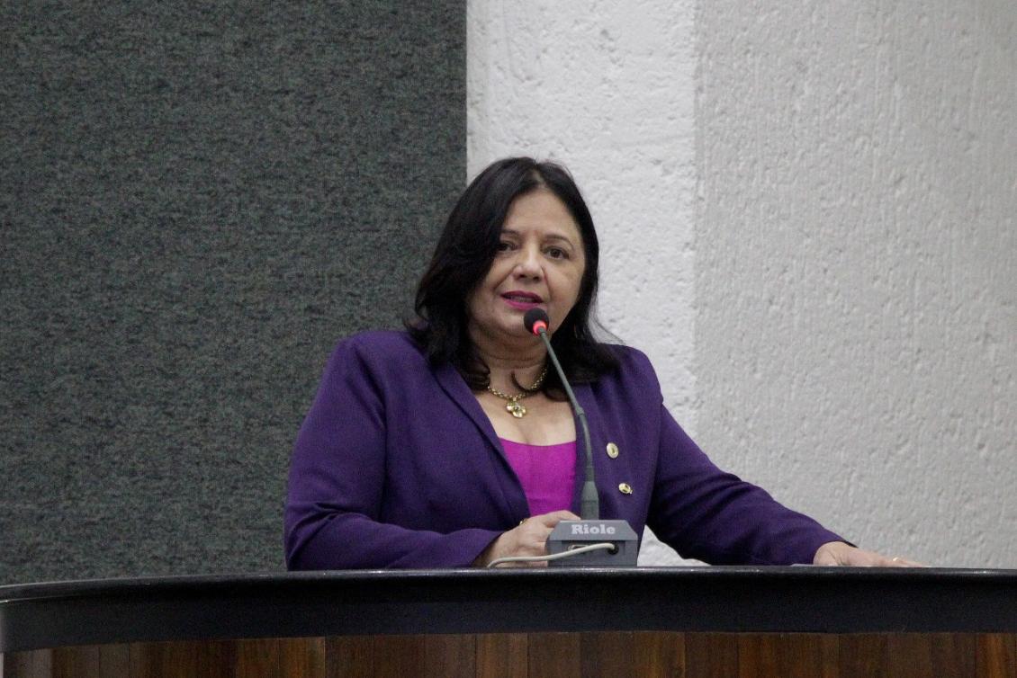 Valderez quer o fim da violência contra as mulheres