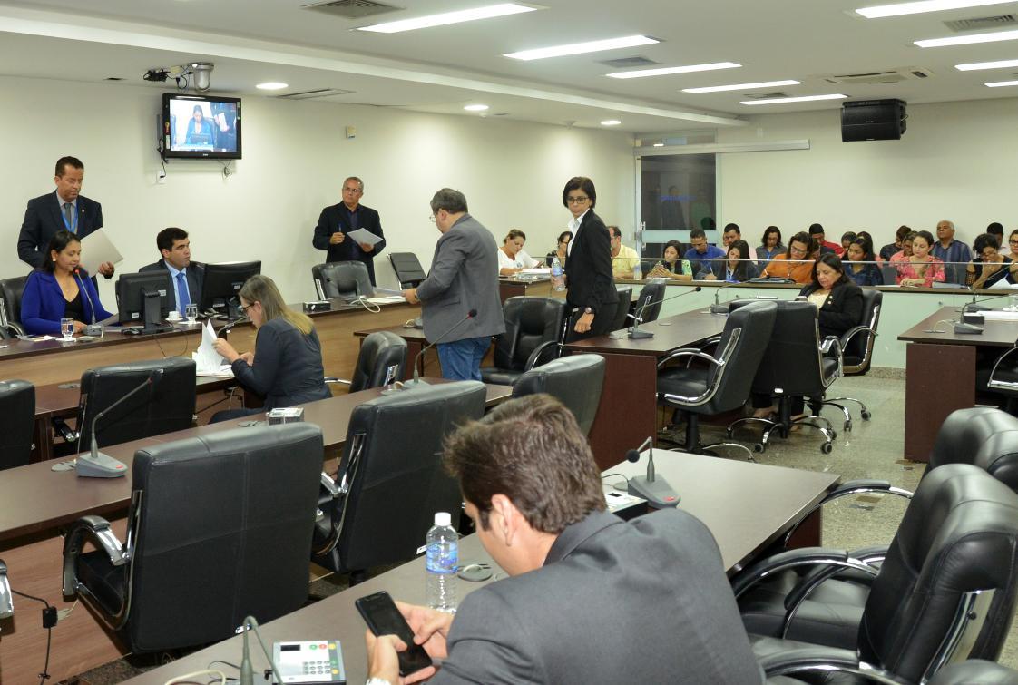 Os cinco processos foram enviados à CCJ no último dia 13 e aguardam nomeação de relator