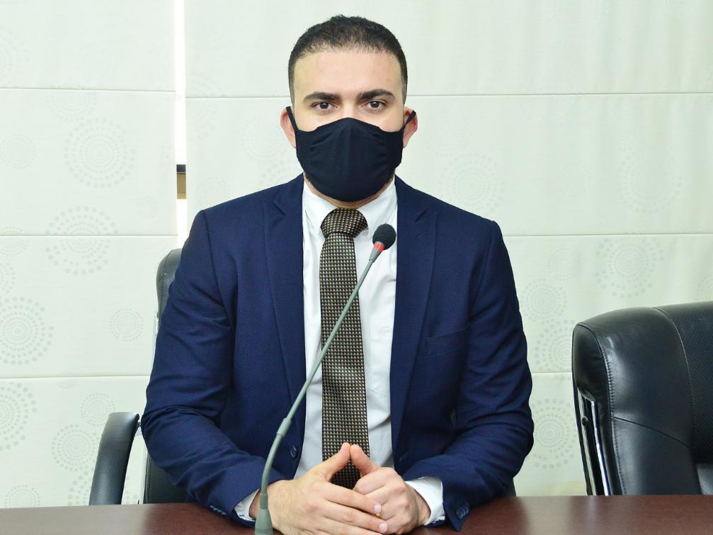 Léo também solicitou urgência na contratação de uma empresa de segurança para atuar nos hospitais