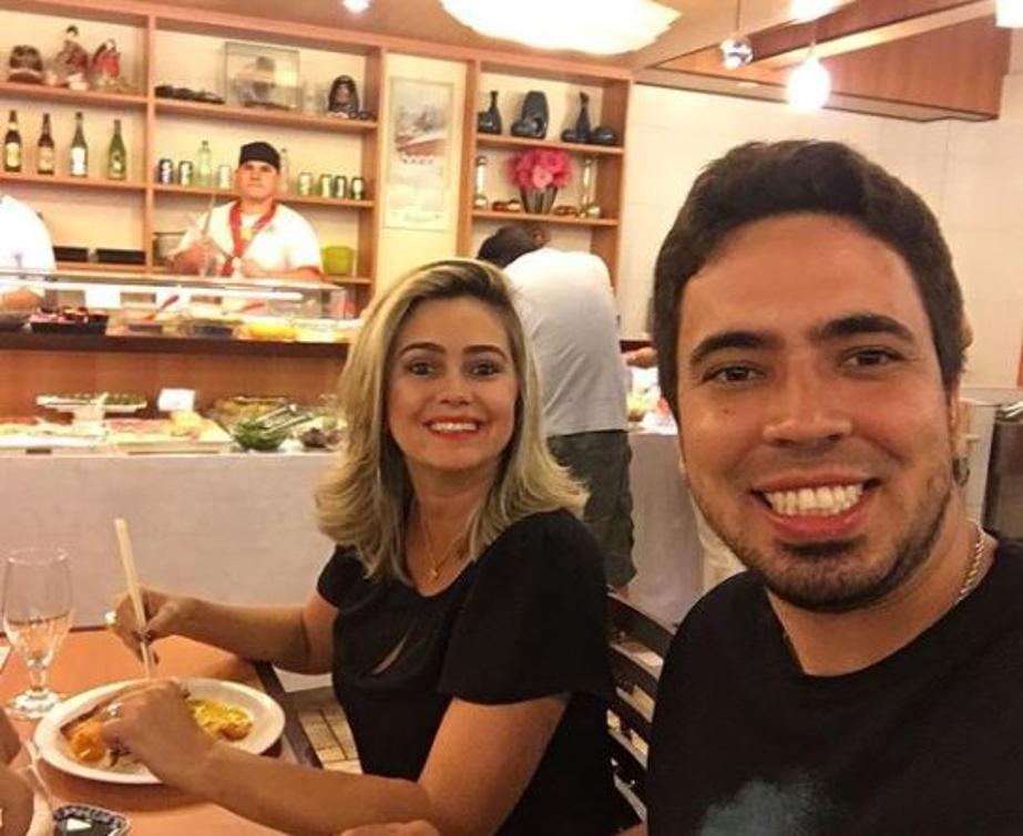 Thiago deixa esposa, Sra. Luciana Coelho