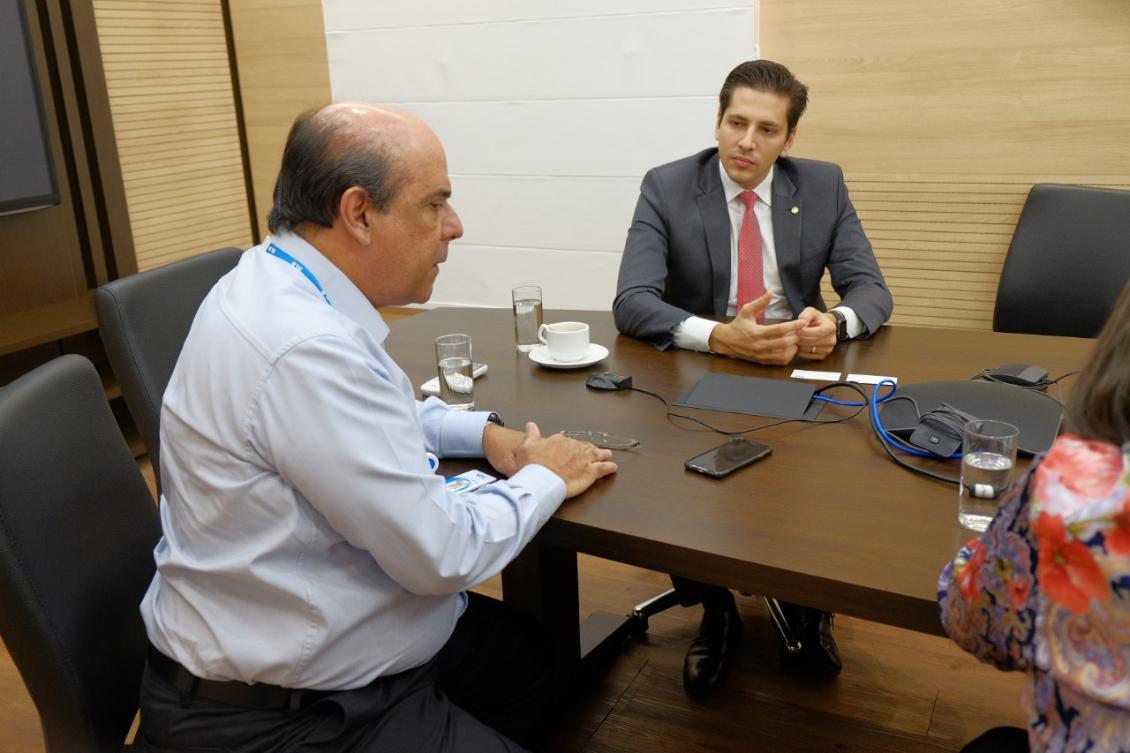 Deputado Olyntho reúne com diretoria da BRK para ouvir explicação sobre Nova Estação de Tratamento d