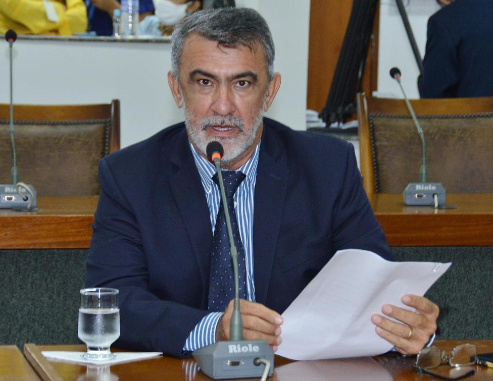 Amélio Cayres solicita a implantação de um polo da Unirg em Araguatins