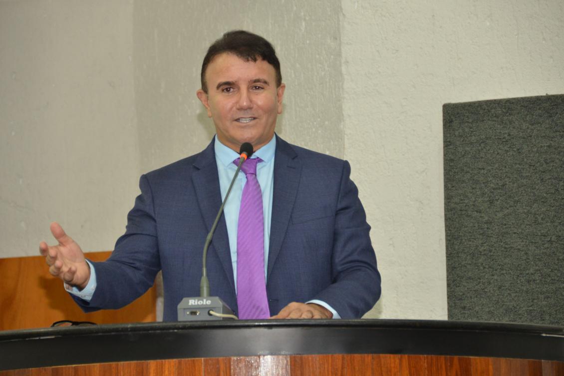 Deputado fala sobre Projeto de Lei