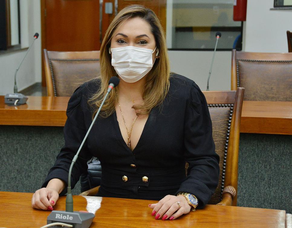 Luana Ribeiro é a autora da proposta