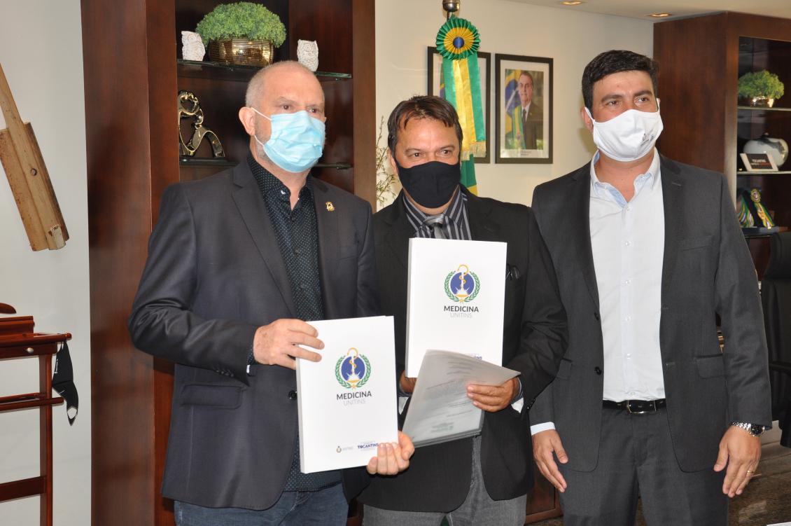 Deputado Fabion participa de solenidade de homologação do Curso de Medicina no Bico do Papagaio