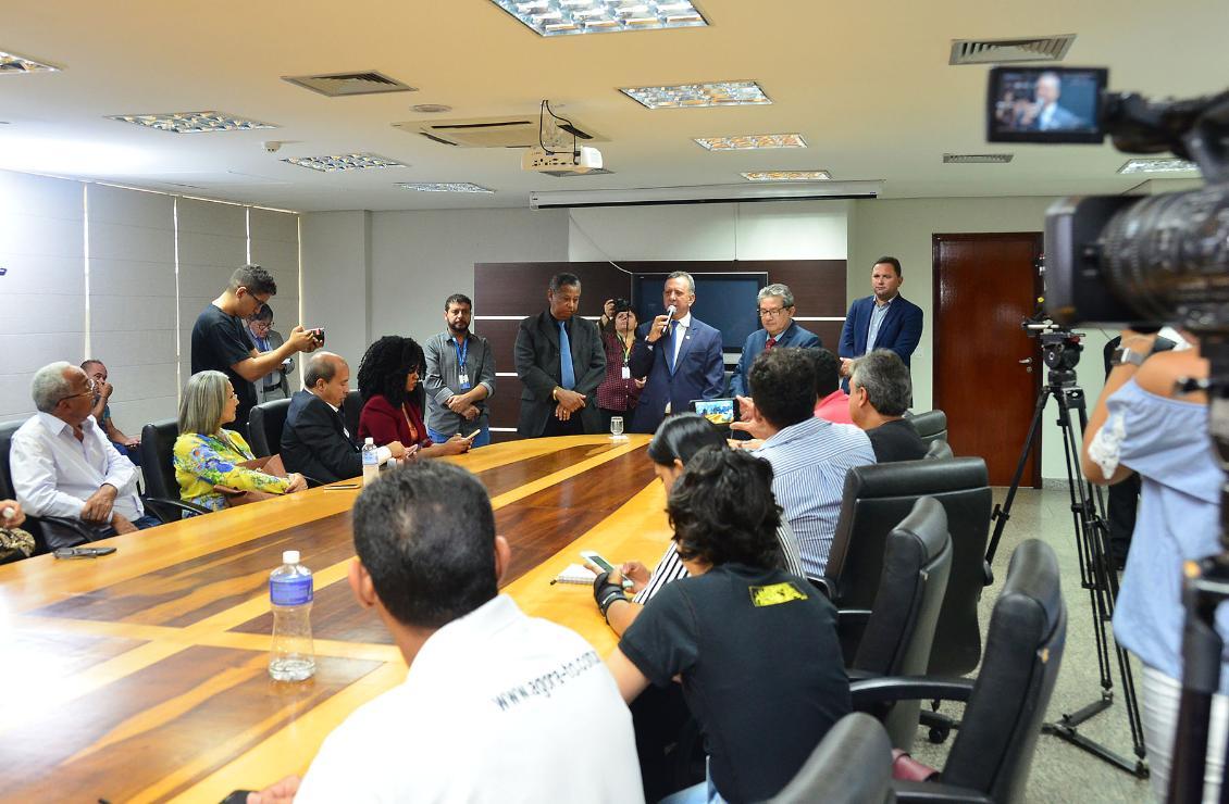 Antonio Andrade concedeu entrevista coletiva na manhã desta terça-feira