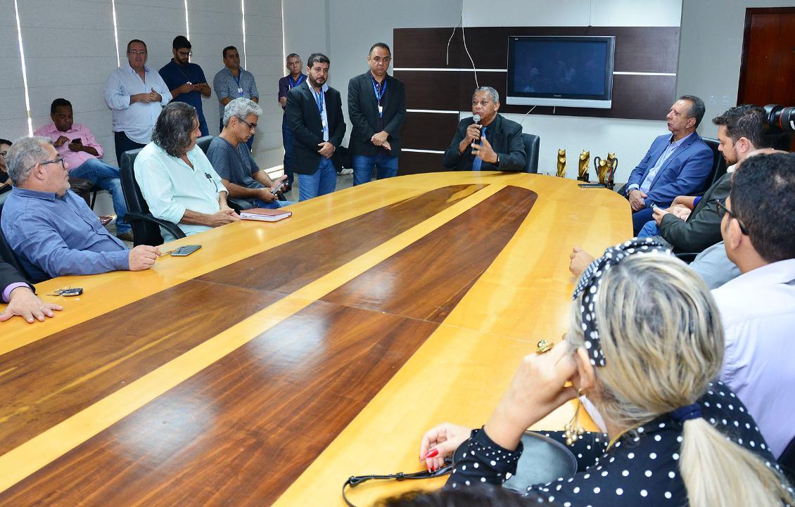 Reunião com a imprensa, Parceria na divulgação do Parlamento