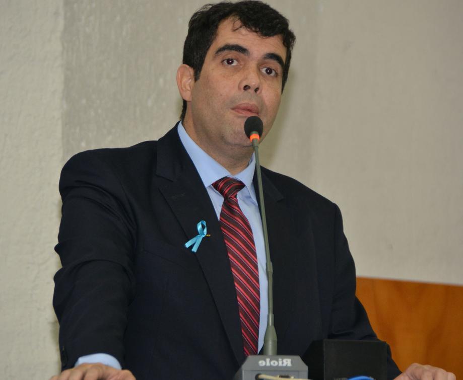 Ricardo Ayres destacou preconceito como um dos principais problemas