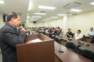 Eli Borges apontou a discrepância entre os valores do Tocantins e de Goiás