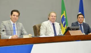 Deputados defendem mais recursos para os municípios