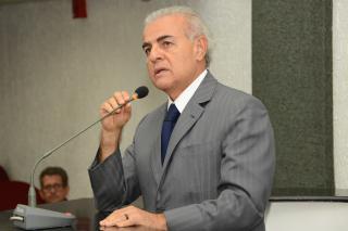 O secretário de Governo Lívio Luciano também foi convidado para  comparecer ao Parlamento