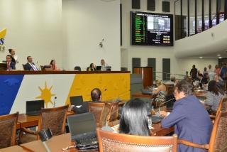 Matérias foram aprovadas na sessão vespertina desta quarta-feira